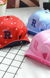 หมวกแก๊ปแต่งหูเล็กน่ารัก ปักอักษร R