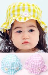 หมวกเด็กหญิงผ้าฝ้ายลายตารางแต่งดอกไม้ขาว