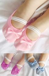 ถุงเท้าเด็กหญิงแต่งโบว์เล็กน่ารัก  สายคาดลูกไม้สีขาว มีกันลื่น