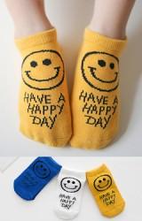 เซ็ตถุงเท้าเด็กแพ็ค 3 คู่ ลายหน้ายิ้มอักษร HAVE A HAPPY DAY