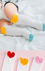 ถุงเท้าแบบยาวลายหัวใจสีสันสดใส  ไม่มีกันลื่น