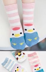 เซ็ตถุงเท้าเด็กแพ็ค 3 คู่ ลายขวางหน้าเพนกวินน่ารัก
