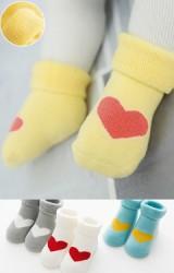 ถุงเท้าเด็กแบบหนาลายหัวใจแพ็ค 3 คู่ 3 สี แบบข้อสั้น