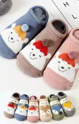 ถุงเท้าเด็กแบบหนาลายหน้าหมีใส่หมวกคริสต์มาสและจิ้งจอก