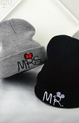 หมวกบีนนี่ไหมพรม ปัก MR. และ MRS.