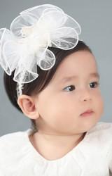 สายคาดผมดอกไม้ใหญ่ผ้าโปร่ง ตรงกลางแต่งลูกไม้ Angel Neitiri