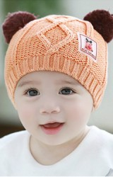 หมวกไหมพรมสีส้มแต่งหูปอมด้านบน ด้านหน้าแต่งรูปกวาง TUTUYA