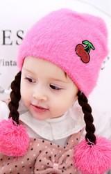 หมวกไหมพรมสาวน้อยเปียห้อยปอมปอม หน้าแต่งเชอรี่