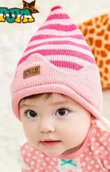 หมวกไหมพรมยอดแหลมลายขางสีชมพู  TUTUYA