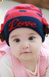 หมวก Love หมวกไหมพรมลายจุดข้างแต่งโบว์และผมปลอม TUTUYA