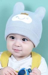 หมวกบีนนี่สกรีนหน้ายิ้มใส่มงกุฎ จาก keaibeibei