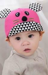 หมวกแก๊ปเด็กปักหน้าหนูน้อย แต่งปีกหมวกและหูลายสามเหลี่ยม