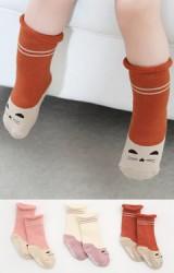ถุงเท้าเด็กแบบหนาแพ็ค 3 คู่ ลายแมวน้อย