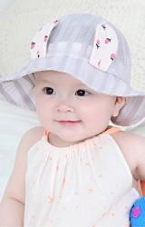 หมวกบัคเก็ตผ้าตาข่ายลายทางแต่งหูกระต่าย