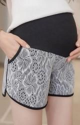กางเกงขาสั้นคนท้องผ้าลูกไม่ขาวซับในในตัวสีดำ