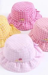 หมวกเด็กหญิงลายตารางด้านหลังแต่งโบว์น่ารัก