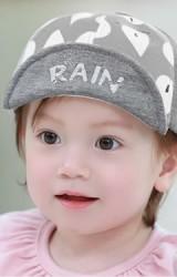 หมวกแก๊ปลายเม็ดฝน ปักอักษร RAIN จาก TUTUYA
