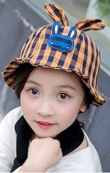 หมวกเด็กปีกรอบลายสก็อตแต่งกระต่ายน้อย จาก KUKUJI