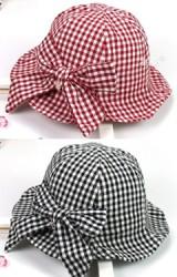 หมวกเด็กปีกรอบผ้าฝ้ายลายตารางด้านหลังแต่งโบว์ใหญ่
