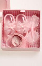 เซ็ตถุงเท้าเด็กมาพร้อมสายคาดผมโทนสีชมพู ถุงเท้าแต่งโบว์ สายคาดแต่งดอกไม้และโบว์