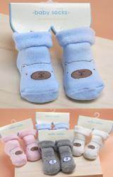 ถุงเท้าเด็กเล็กลายหน้าหมีน้ำตาล