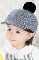 หมวกแก๊ปเด็กลายชิโนริด้านบนแต่งปอมปอมน่ารัก