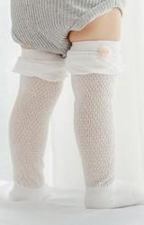 ถุงเท้าเด็กแบบยาว ขอบระบายแต่งปอมเล็กน่ารัก