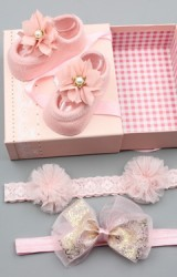 เซ็ตถุงเท้าเด็กมาพร้อมสายคาด ถุงเท้าแต่งดอกไม้ สายคาดโบว์และแต่งปอมปอม