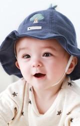 หมวกบักเก็ตปักต้นไม้   จาก TUTUYA