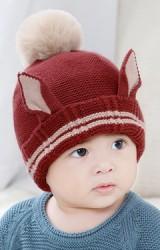 หมวกไหมพรมแต่งหูแหลม ด้านบนแต่งปอมปอมขนมิ้ง