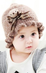 หมวกไหมพรมเด็กหญิงขอบหมวกระบาย แต่งหมีน้อยนูนน่ารัก