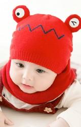 เซ็ตหมวกไหมพรมเด็กการ์ตูนกบน้อยมาพร้อมผ้าสวมคอ GZMM
