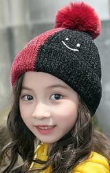หมวกไหมพรมสีทูโทนปัก smile ด้านบนแต่งปอมขนมิ้ง