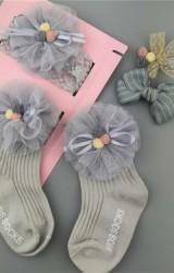 เซ็ตรับขวัญเซ็ต 4 ชิ้น โทนสีเทา ถุงเท้าและผ้าคาดผมแต่งผ้าโปร่งระบายและกิ๊บโบว์