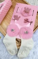 เซ็ตรับขวัญเซ็ต 4 ชิ้น โทนสีชมพู-ขาว ถุงเท้าขาวแต่งดอกไม้ ผ้าคาดผมและกิ๊บน่ารัก