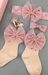 เซ็ตรับขวัญเซ็ต 4 ชิ้น โทนสีชมพูนู้ด-โอลโรส ถุงเท้าและผ้าคาดผมแต่งโบว์ กิ๊บหัวใจและกิ๊บโบว์