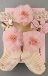 เซ็ตรับขวัญเซ็ต 4 ชิ้น โทนสีชมพู-โอลโรส ถุงเท้าและผ้าคาดผมแต่งดอกไม้หวาน และกิ๊บโบว์