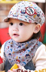 หมวกเด็กลายนกฮูก มาเป็นเซ็ตพร้อมผ้ากันเปื้อน