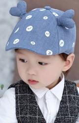 หมวกแฟลตแค๊ปลายอักษรแต่งเขารูปหัวใจ