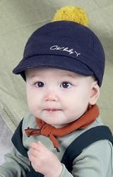 หมวกแก๊ปปัก  OK baby ด้านบนแต่งปอมปอม MILKY FRIENDS