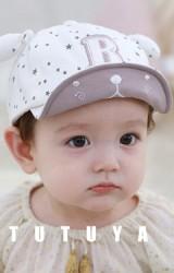 หมวกแก๊ปลายดาวปักอักษร B แต่งหูผูกนูน TUTUYA