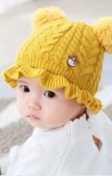 หมวกไหมพรมสาวน้อยแต่งหมีน้อย ด้านบนมีปอมปอมขนมิ้ง
