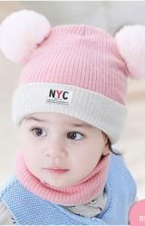 เซ็ตหมวกไหมพรมสีทูโทน แต่งป้ายอักษร NYC มาพร้อมผ้าสวมคอ