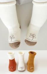 ถุงเท้าเด็กแบบหนาแพ็ค 3 คู่ 3 สี ลายต้นกล้าและดอกไม้