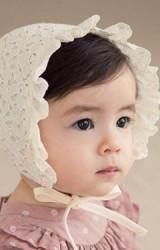 หมวกผูกคางลูกไม้ลายดอกระบายผ้าฉลุ