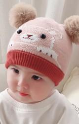 หมวกหมีน้อยน่ารักด้านบนแต่งปอมปอมขนมิ้ง
