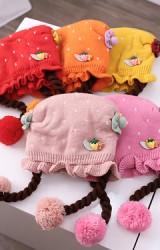 หมวกเปียชายระบาย ด้านหน้าแต่งสตรอว์เบอรี่และหมีน้อย