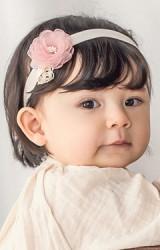 สายคาดผมเด็กหญิงดอกไม้สีชมพูนู้ด