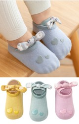 ถุงเท้าเด็กหญิงหัวใจคู่ สายแต่งโบว์ลายกระต่าย มีกันลื่น