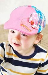 หมวกเด็กแต่งปีกด้านหน้า ด้านหลังลายสก๊อต GZMM